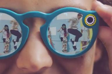 Snapchat launches sunglasses with camera!
